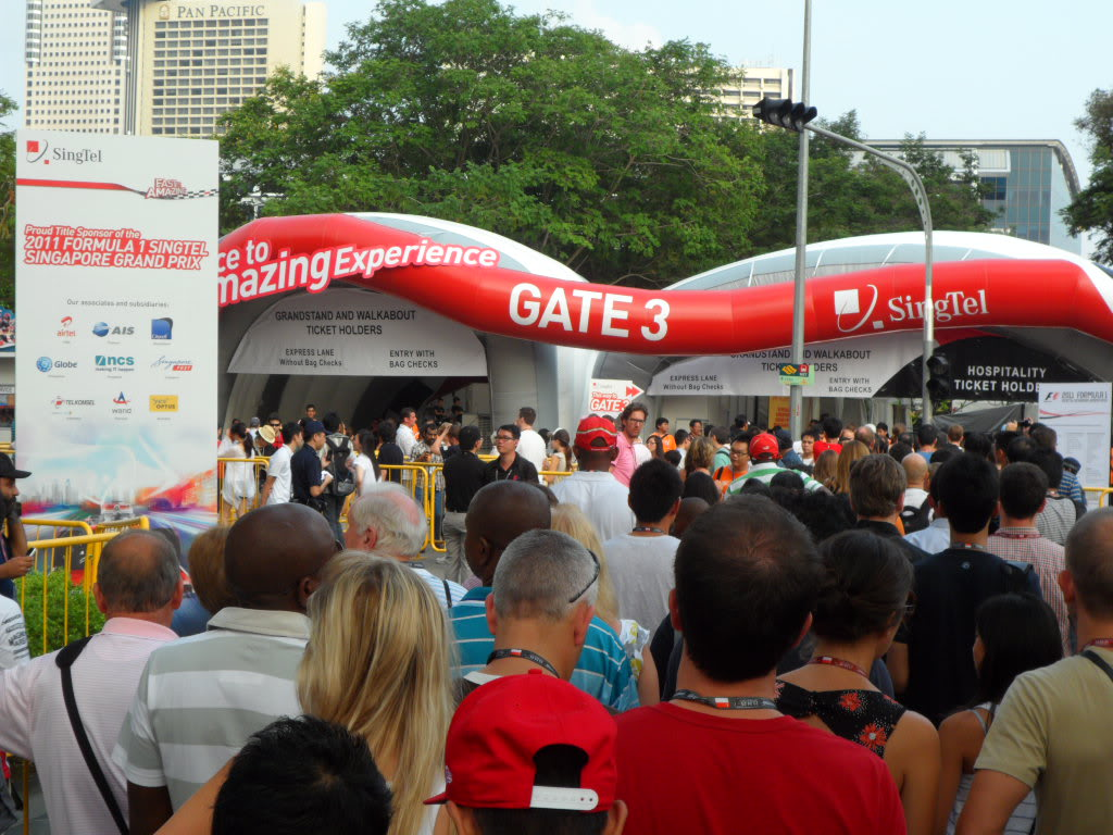 Singtel Formula One F1 Grand Prix Singapore Night Race Street Circuit with Performances by Rick Astley and Shakira