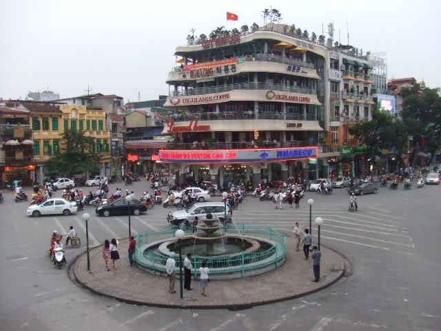 How to cross the roads safely in Hanoi Vietnam