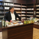 Stopover for olive oil and fig products