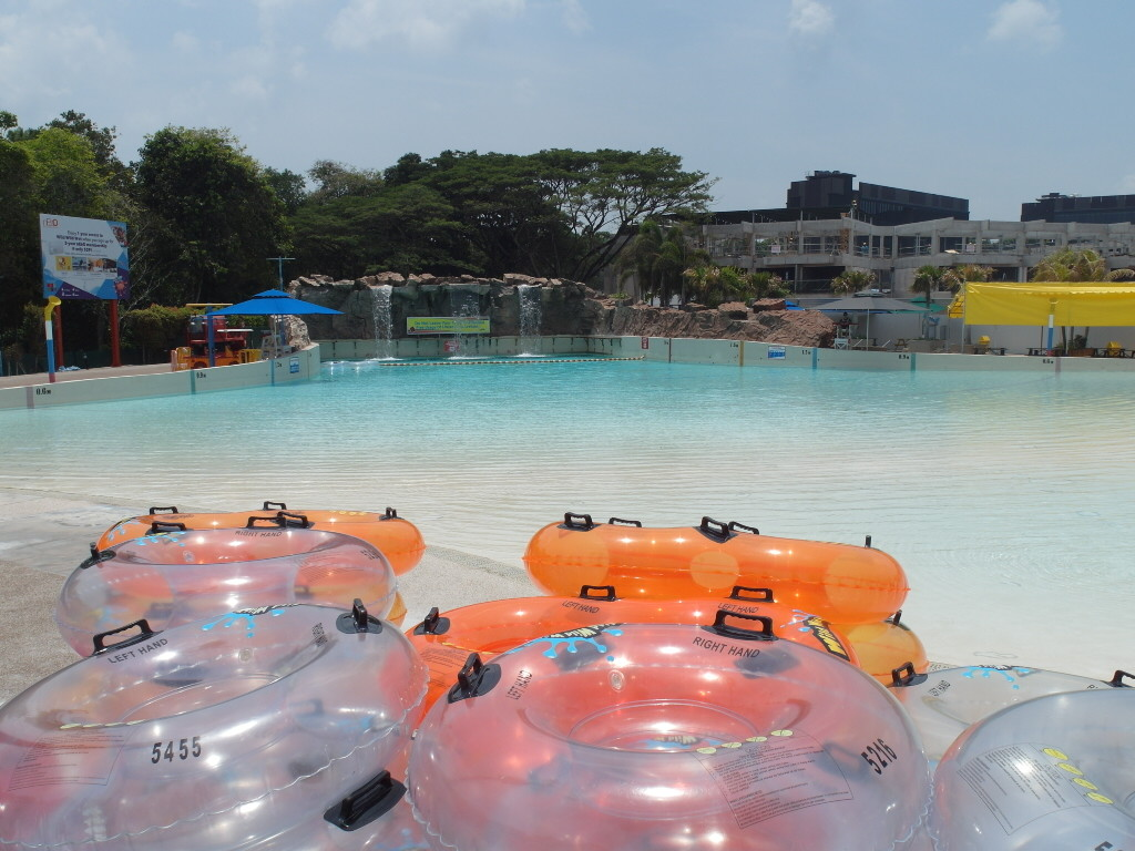 Unlimited access to Wild Wild Wet for NTUC members staying at D'Resort Downtown East