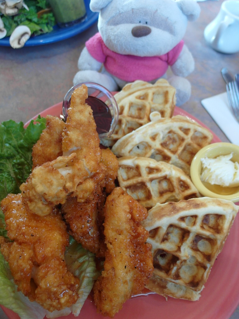 Chicken and Waffles Crest Cafe
