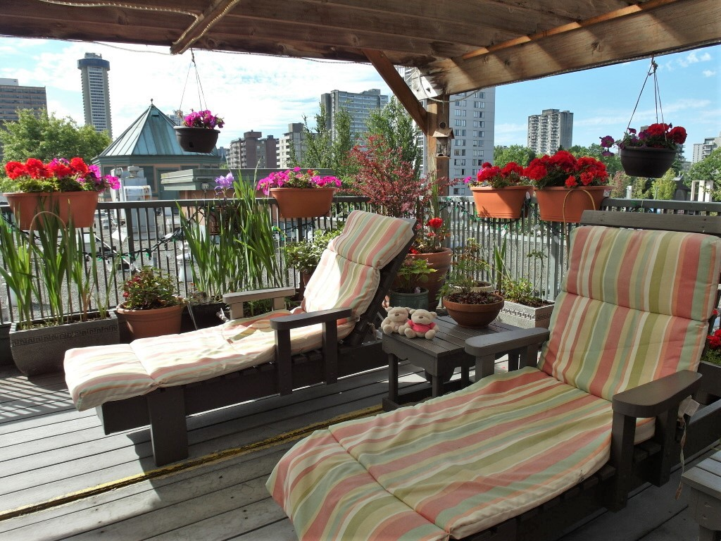 Chillax rooftop BBQ patio @ Times Square Suites Hotel Vancouver