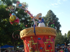 Donald Duck Disneyland Anaheim Parade