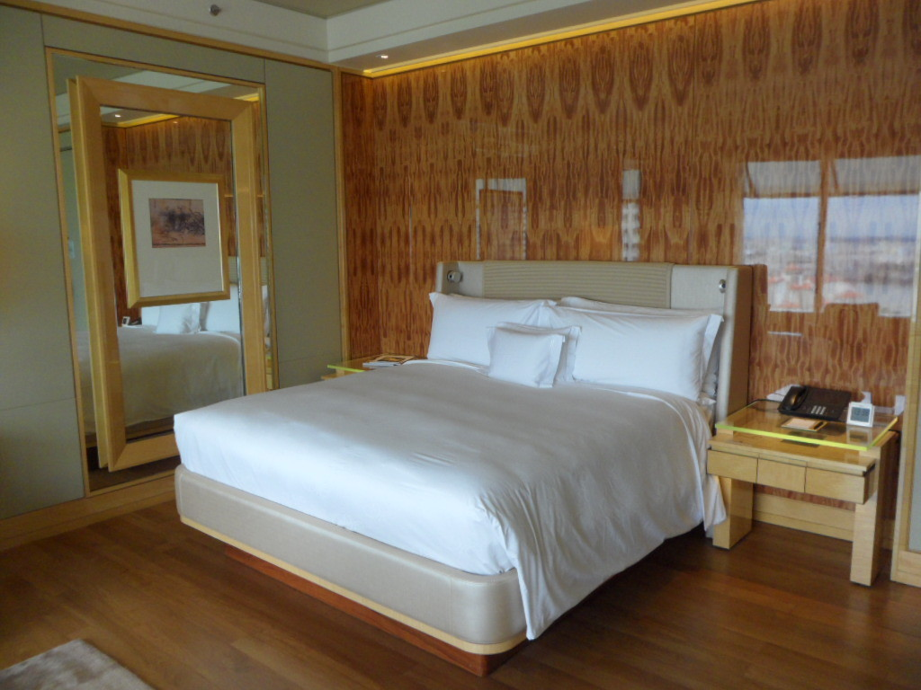 The Ritz-Carlton, Millenia Singapore Staycation