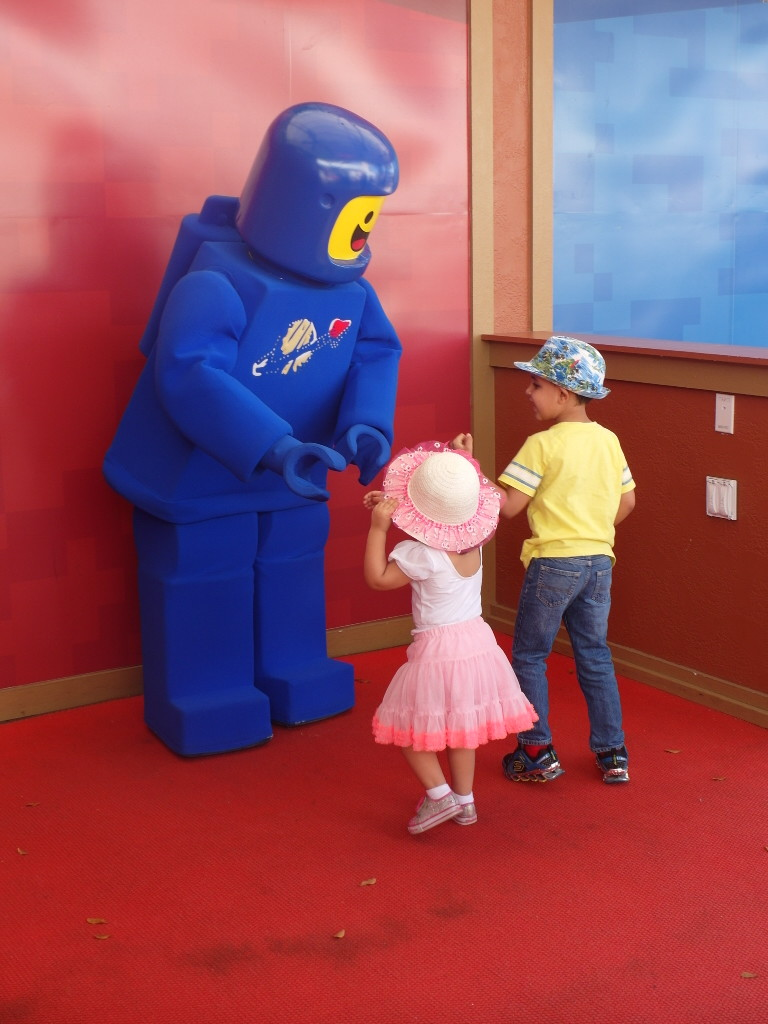 Photos With Characters: Spaceman Benny