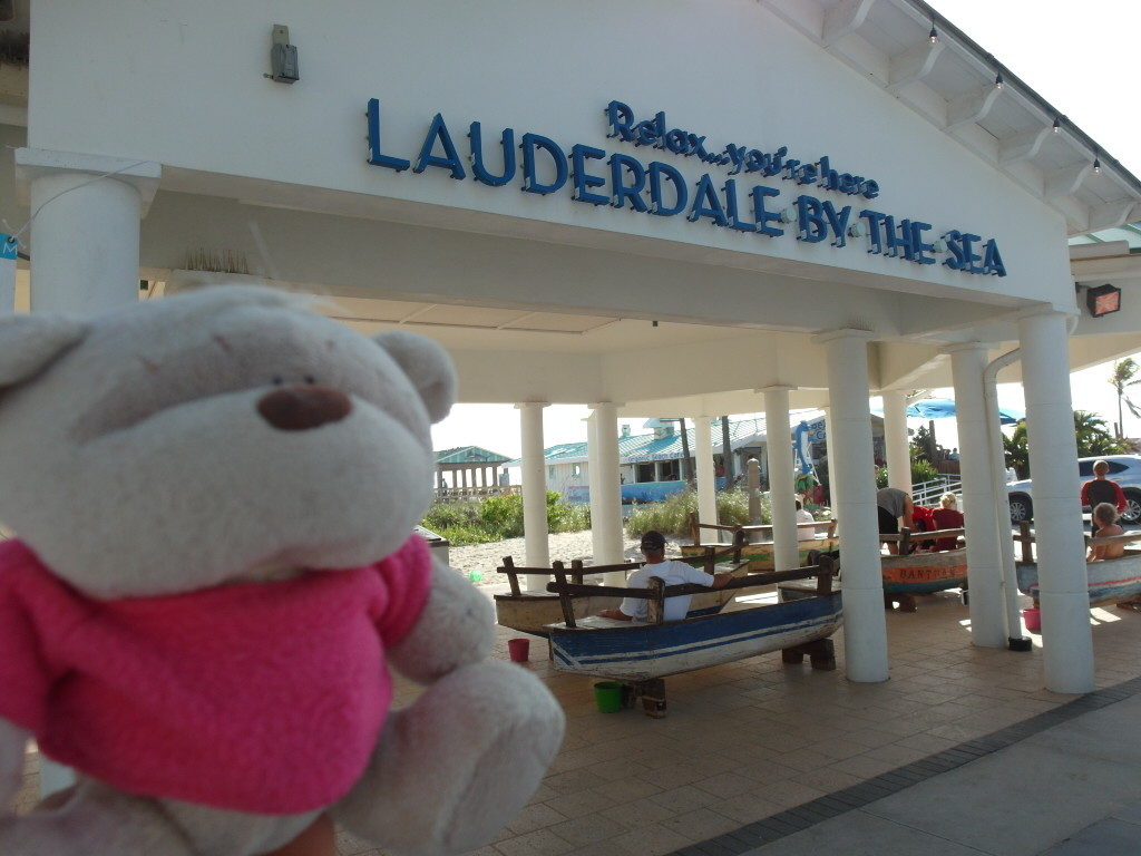 2bearbear @ Lauderdale by the Sea