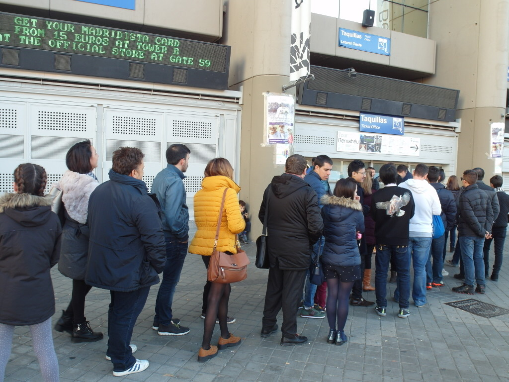Long Queues for Tickets to Tour Bernabeu