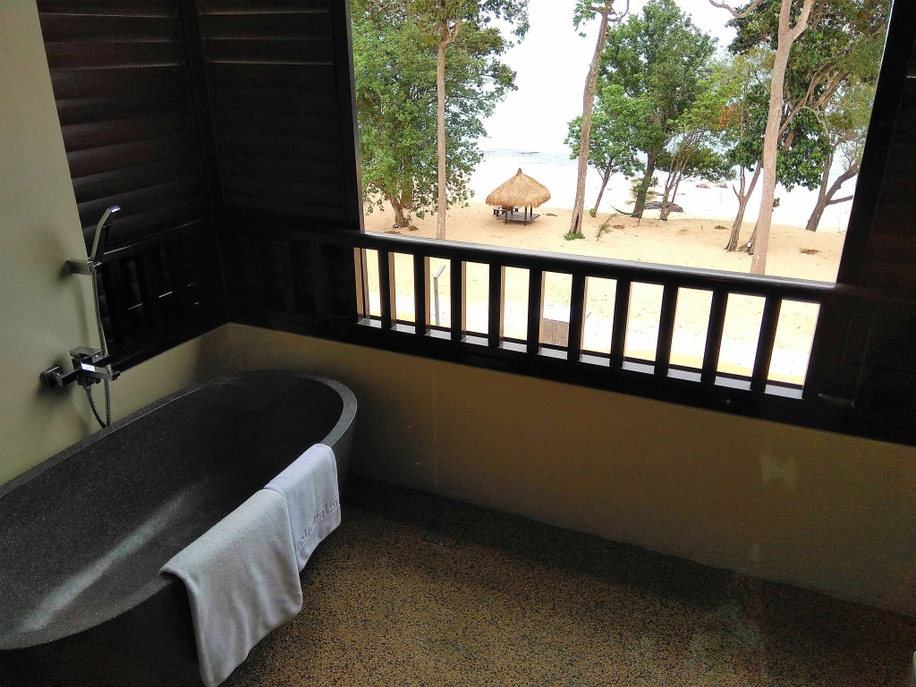 Couple Suite Duplex - Outdoor Bathtub with Sea View
