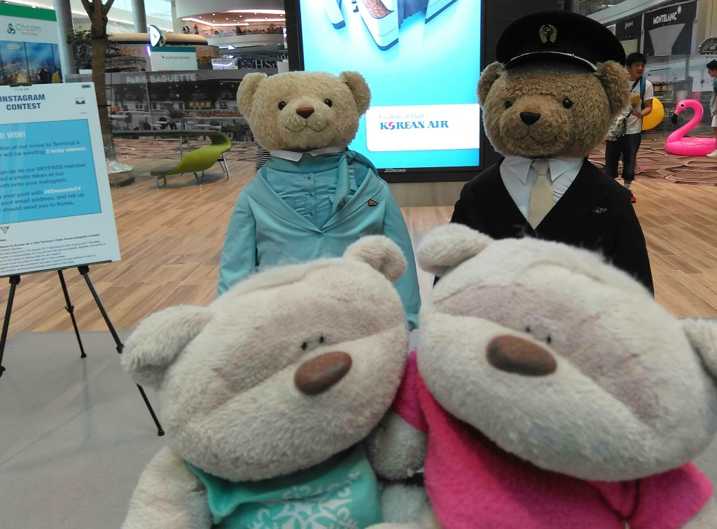 2bearbear with Korean Air Bear Mascots