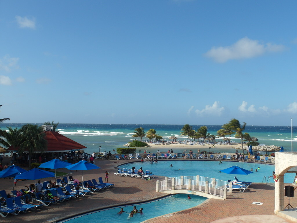 Swimming Pool by the Caribbean Sea @ Holiday Inn Resort Montego Bay