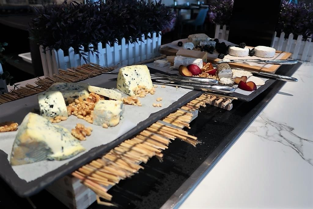Selection of Cheeses at Food Exchange Dinner Buffet Novotel Singapore