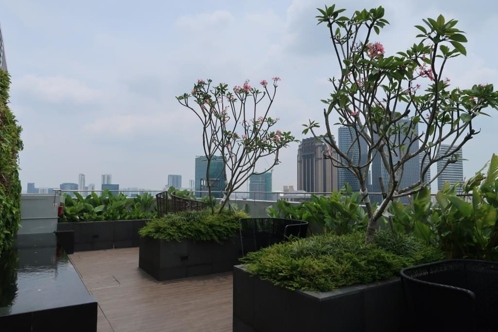 Roof Deck Mercure Singapore Bugis